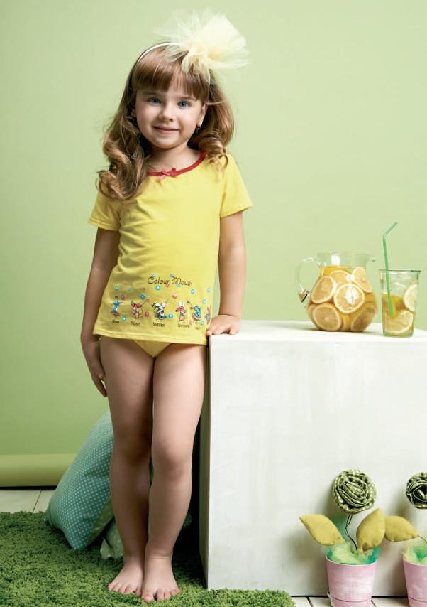Смотреть фотографии девушек в трусиках онлайн моделей 18 фотография